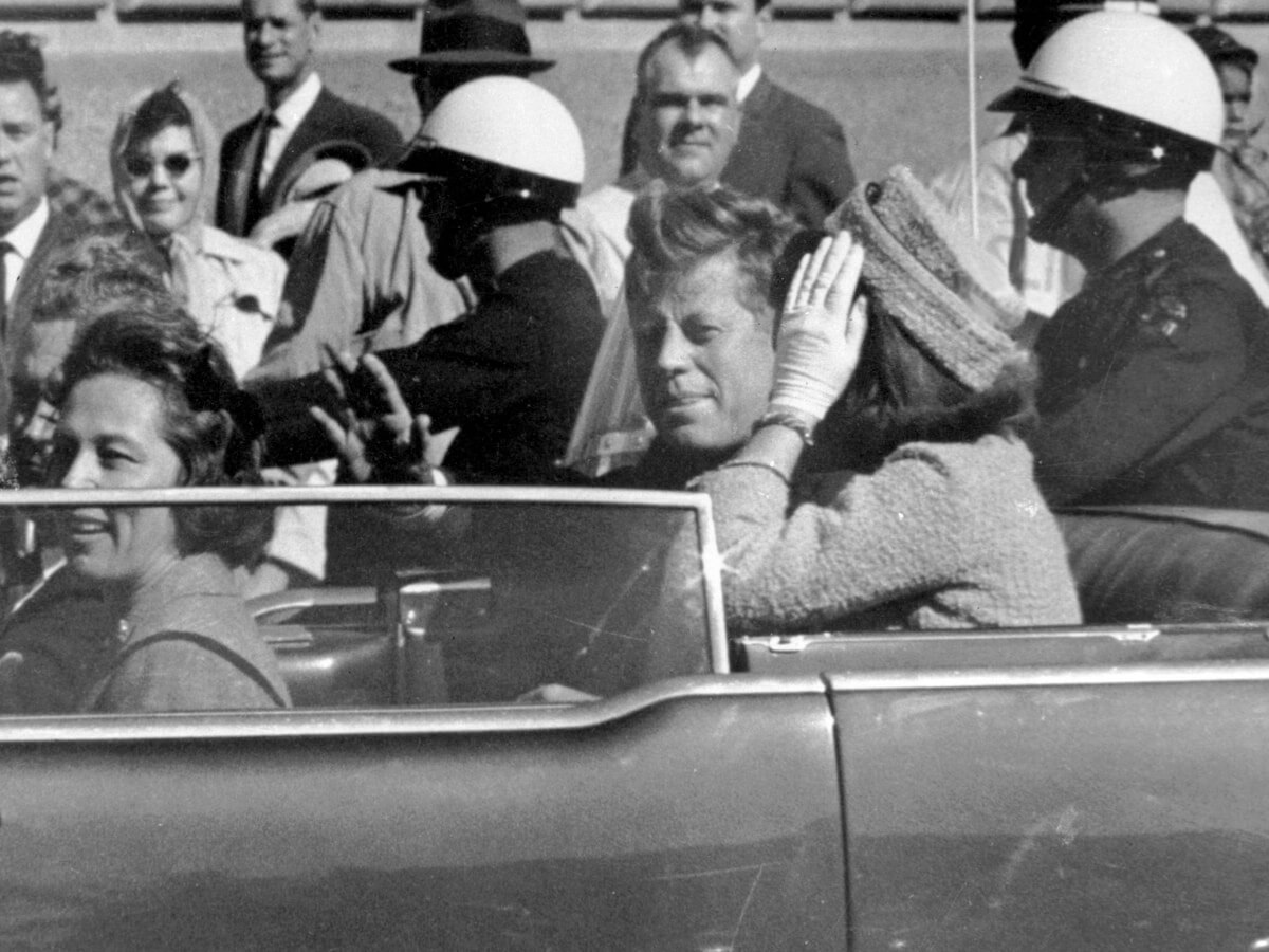 JFK in the car before murder